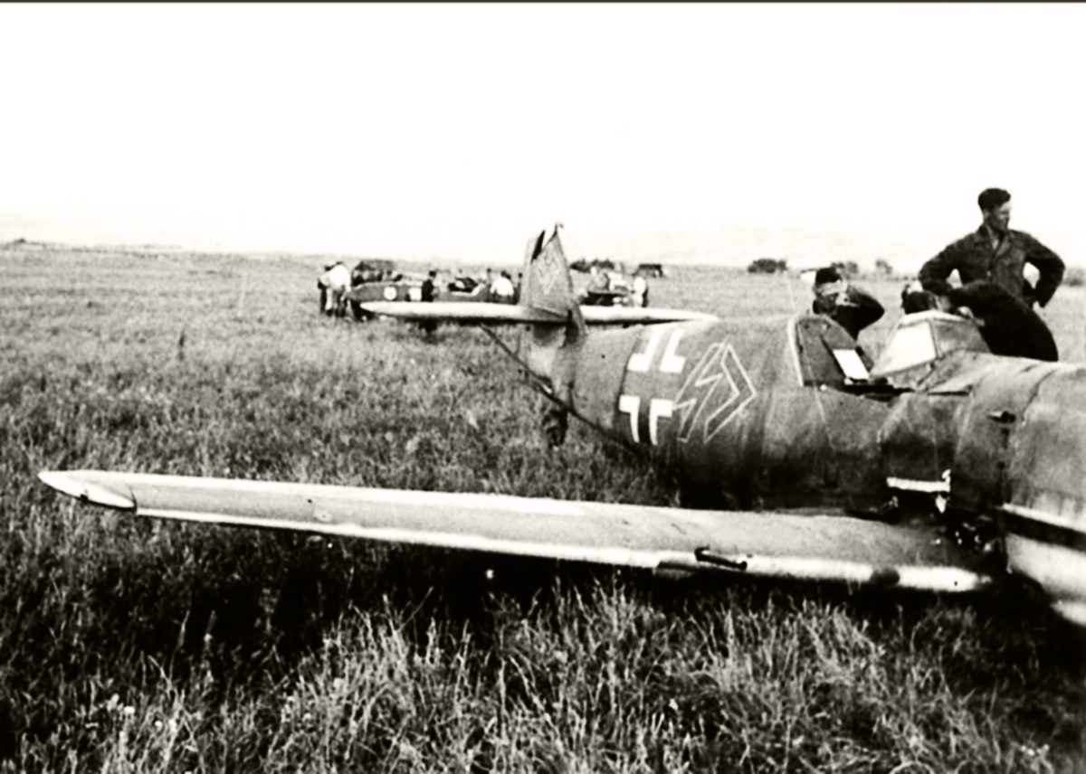 Bf 109E-3, Stab. II.JG77, Georg Schirmbock, WNr.1962, Romania, 20th July 1941.jpg