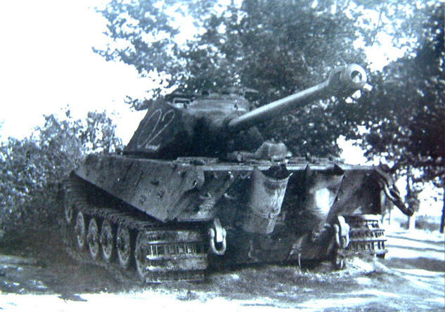 fkl316_n_02_destroyed_by_crew_janville_near_chateaudun_18_08_44.jpg