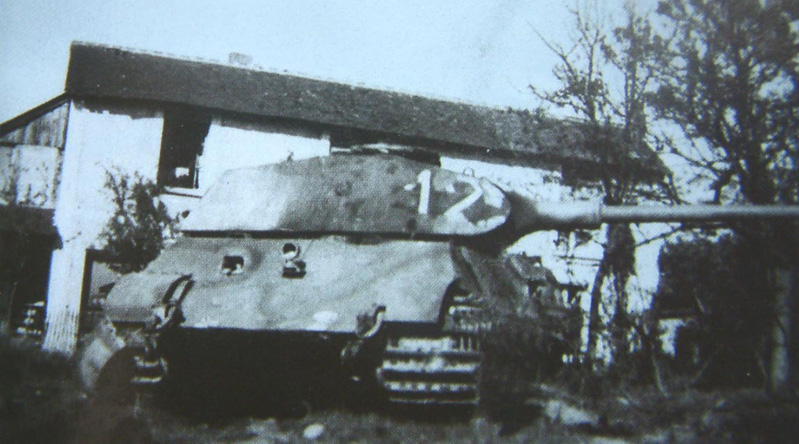 fkl316_n_12_destroyed_by_crew_varize_near_chateaudun_17_08_44_1_.jpg