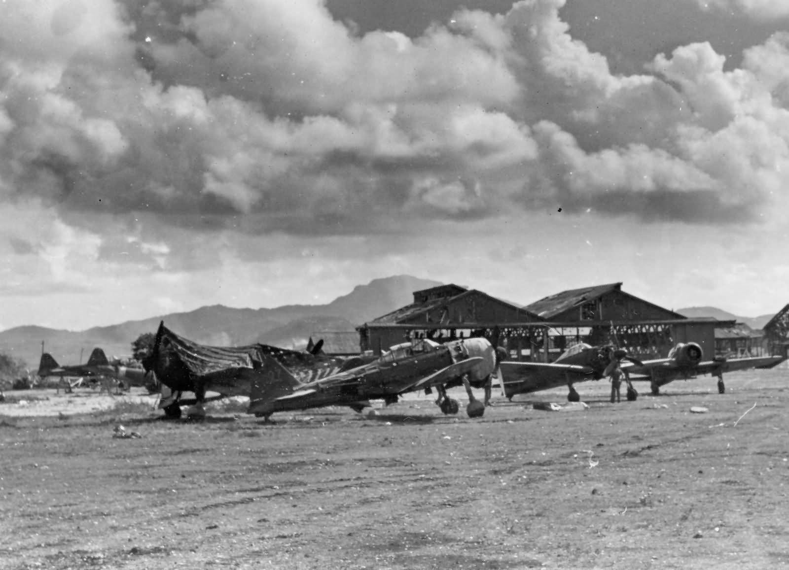 A6M_Zero_fighters_captured_on_Saipan_1944.jpg