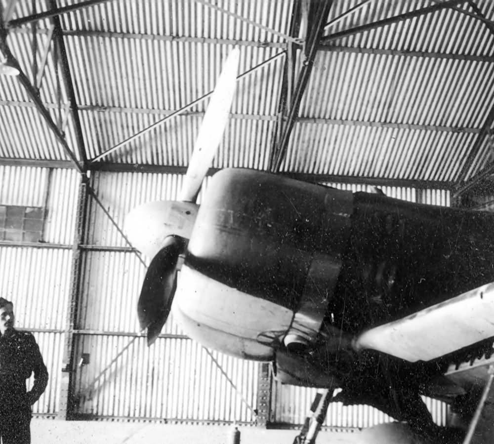 Captured_A6M2_Zero_V-172_engine.jpg