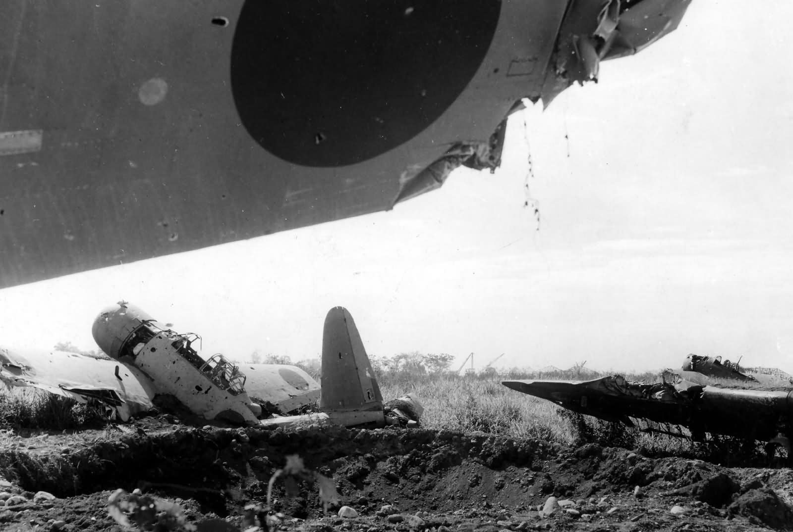 Japanese_Aircraft_Wrecks_at_Lae_New_Guinea_1943.jpg