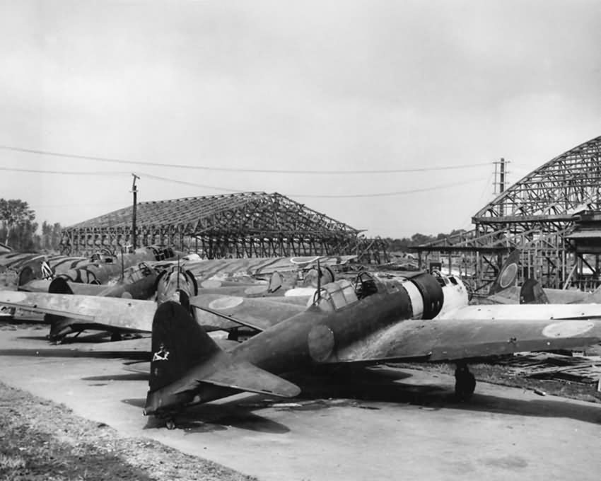 Mitsubishi_A6M_Zero_fighters.jpg