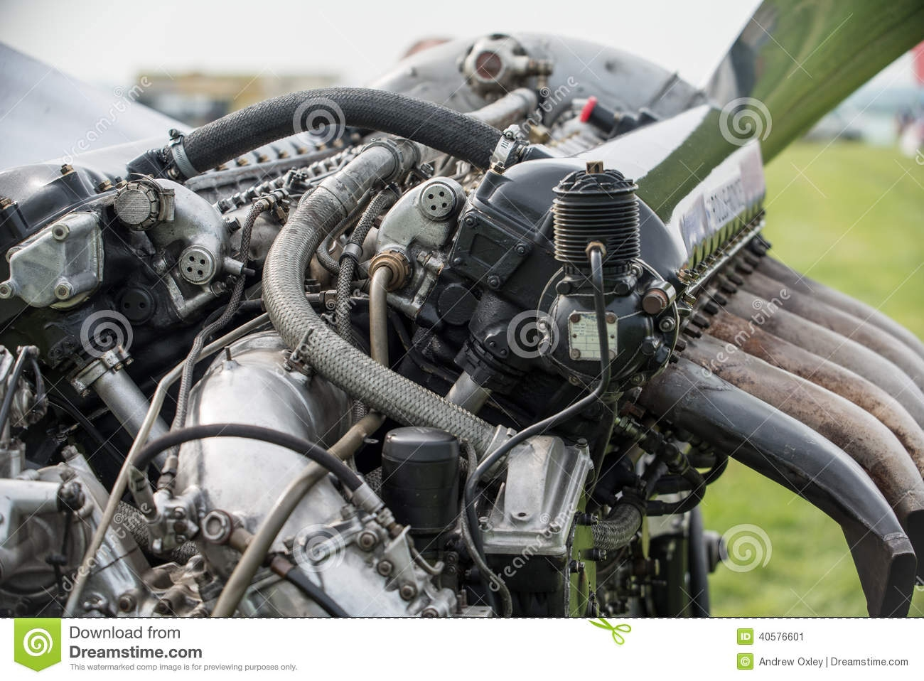 rolls-royce-merlin-aero-engine-v-litre-powerplant-numerous-world-war-aircraft-renowned-british-spitfire-fighter-amongst-40576601.jpg