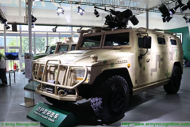 YJ2080C_YJ2081C_4x4_protected_protective_assault_vehicle_Yanjing_Auto_China_Chinese_defense_industry_military_equipment_640_001.jpg