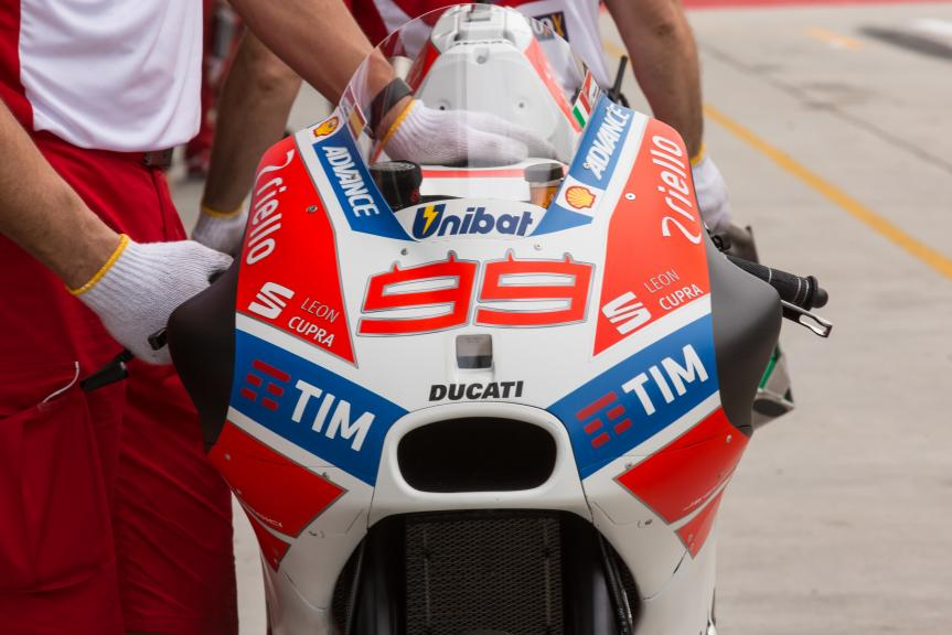99-jorge-lorenzo-esp_gp_0056.gallery_full_top_md.jpg