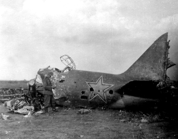 Crashed russian bomber[1].jpg