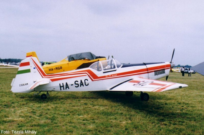 Z-526 AM HA-SAC_03.jpg