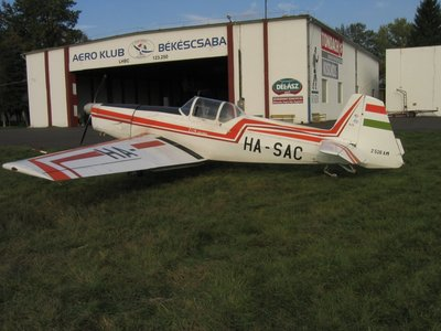 Z-526 AM HA-SAC_01.jpg