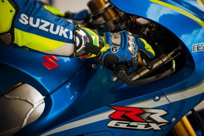 andrea-iannone.gallery_full_top_lg.jpg