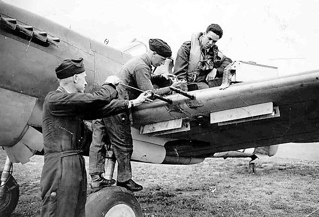 414-squadron-mustang-i-ag654-ru-f-fo.-horncastle-on-wing-arming-up-w640h480.jpg