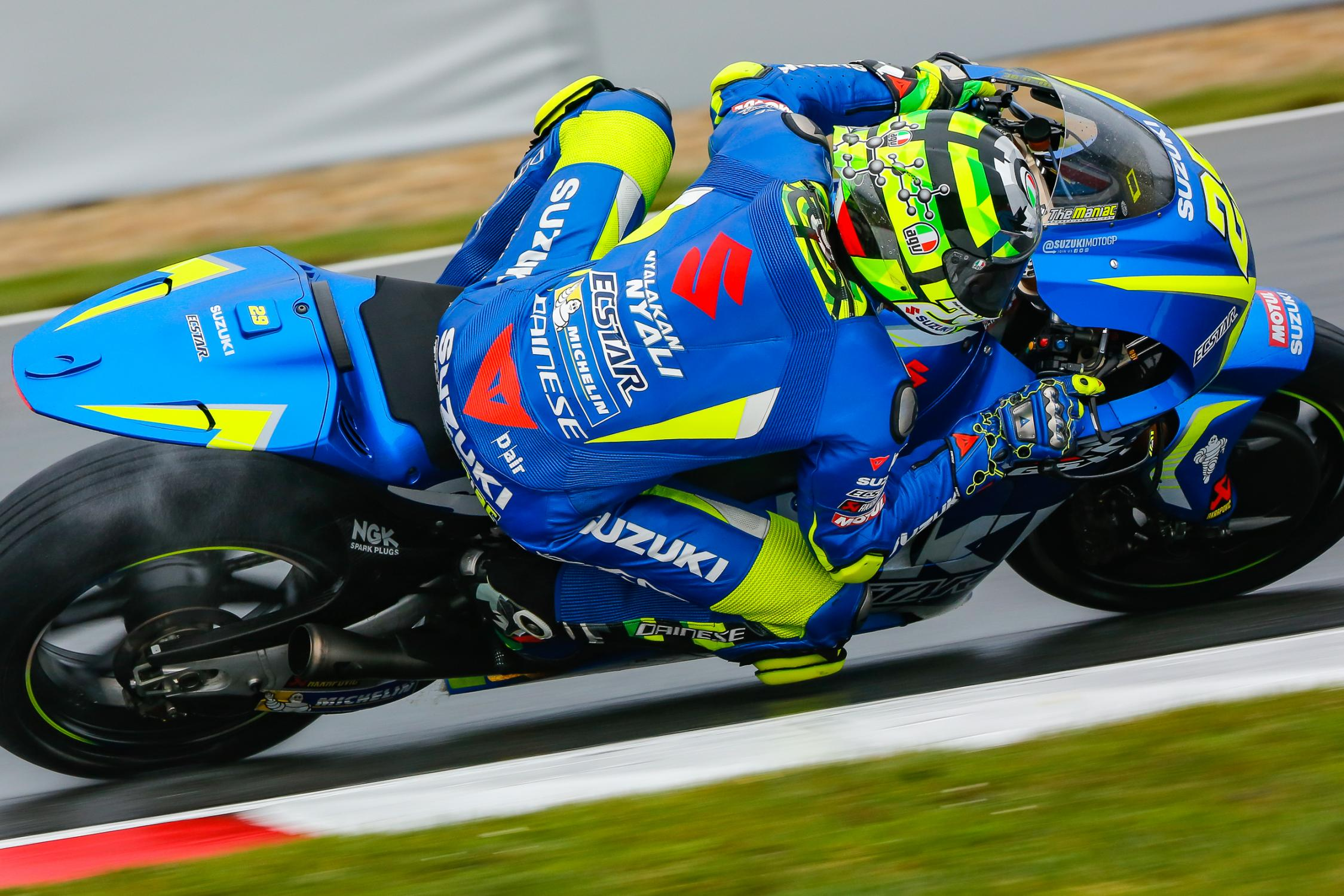 29-andrea-iannone-ita_gp_4320.gallery_full_top_fullscreen.jpg