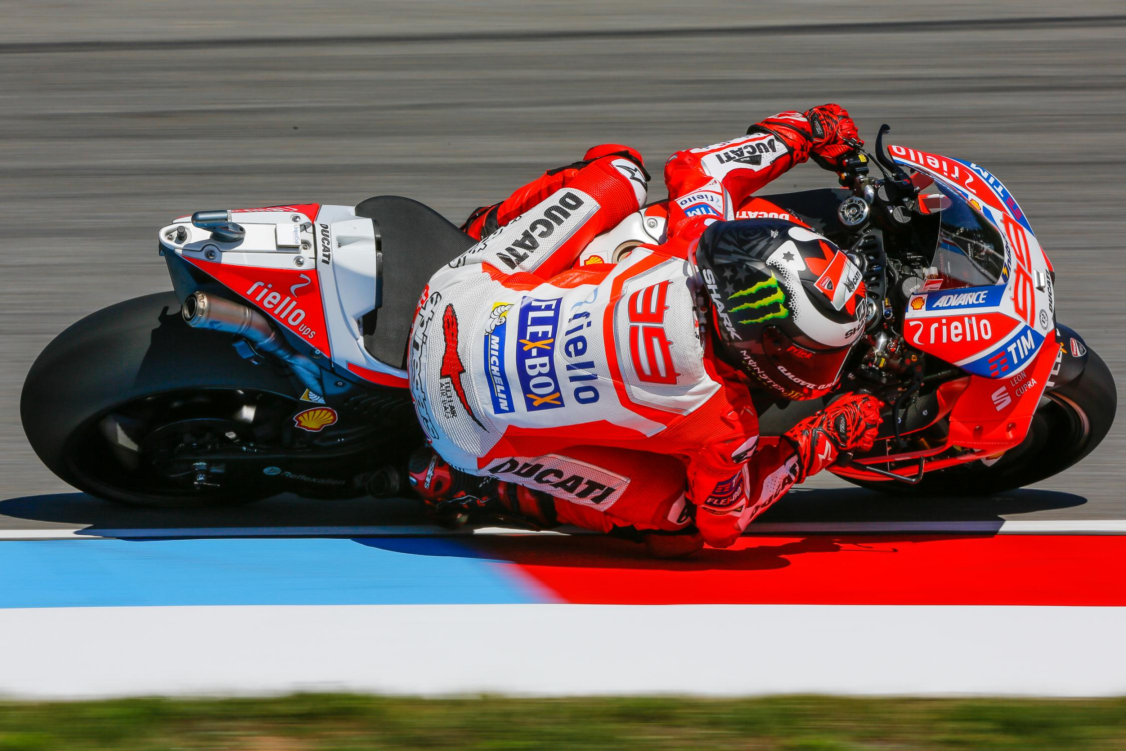 99-jorge-lorenzo-esp_gp_8988.gallery_full_top_fullscreen.jpg