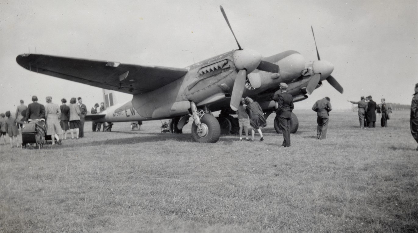 Mosquito_307sq_EW-D_NT261_G_-fighter-at-tholthorpe-aerodrome.jpg
