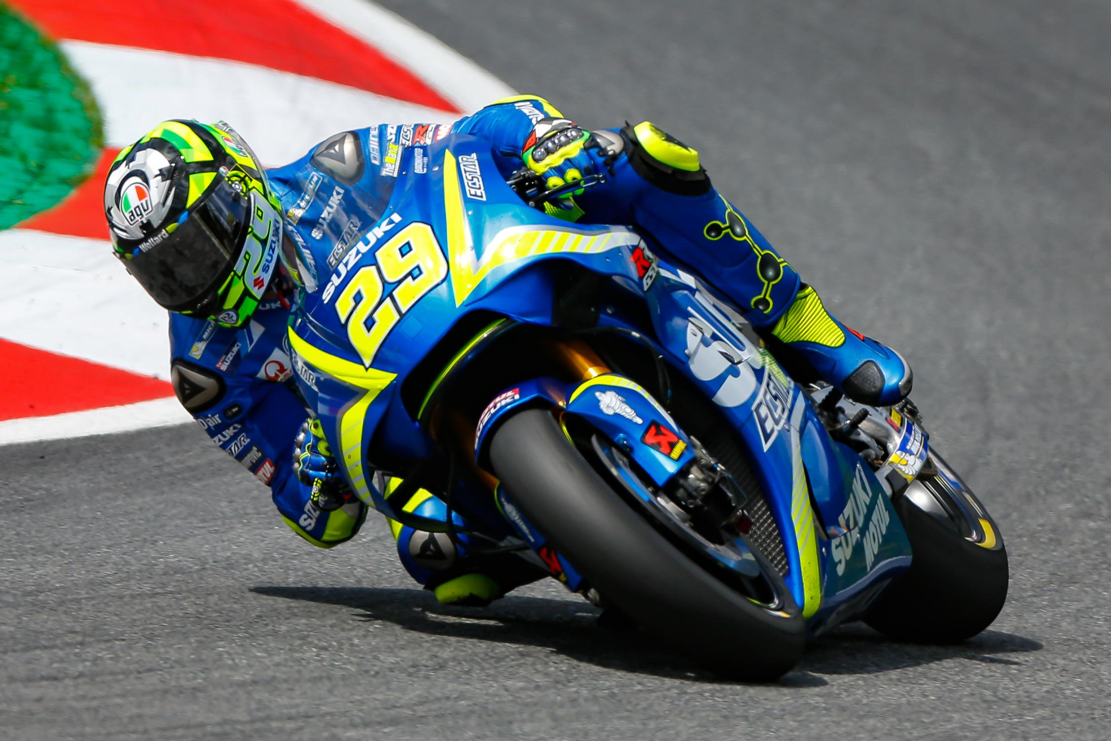 29-andrea-iannone-ita_gp_9533.gallery_full_top_fullscreen.jpg