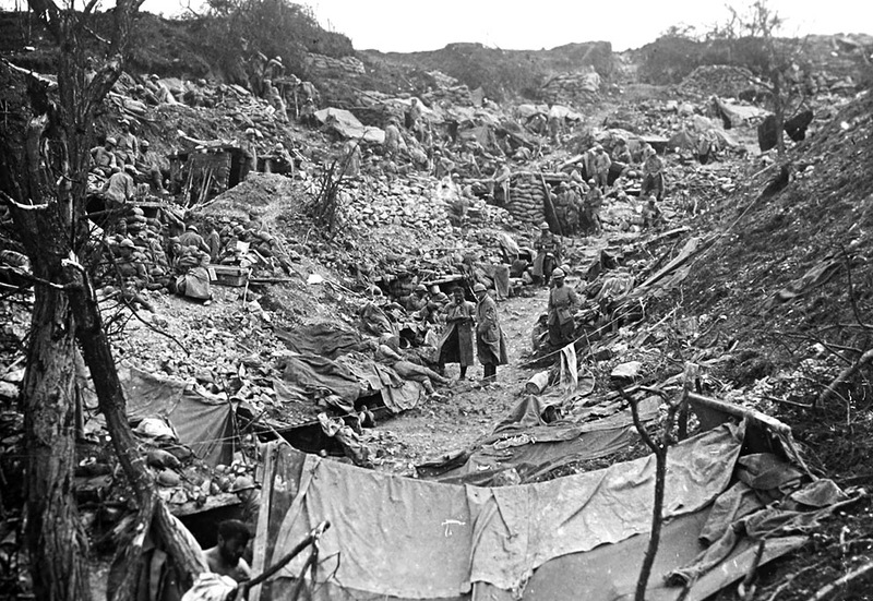 10.9.a-french-soldiers-in-seized-german-trenches-1917.jpg