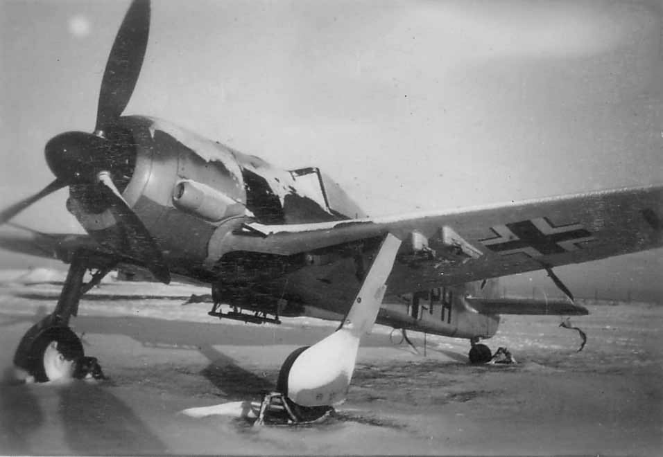 Focke_Wulf_Fw_190_winter_-PH.jpg