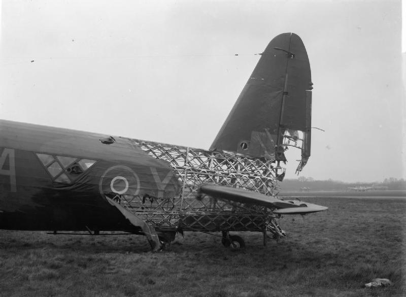 Vickers_Wellington_wreck_West_Malling_-_Royal_Air_Force_Bomber_Command,_1942-1945_CH9867.jpg