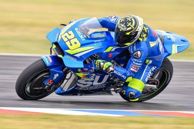 29-andrea-iannone-ita_ds53521.gallery_full_top_fullscreen.jpg