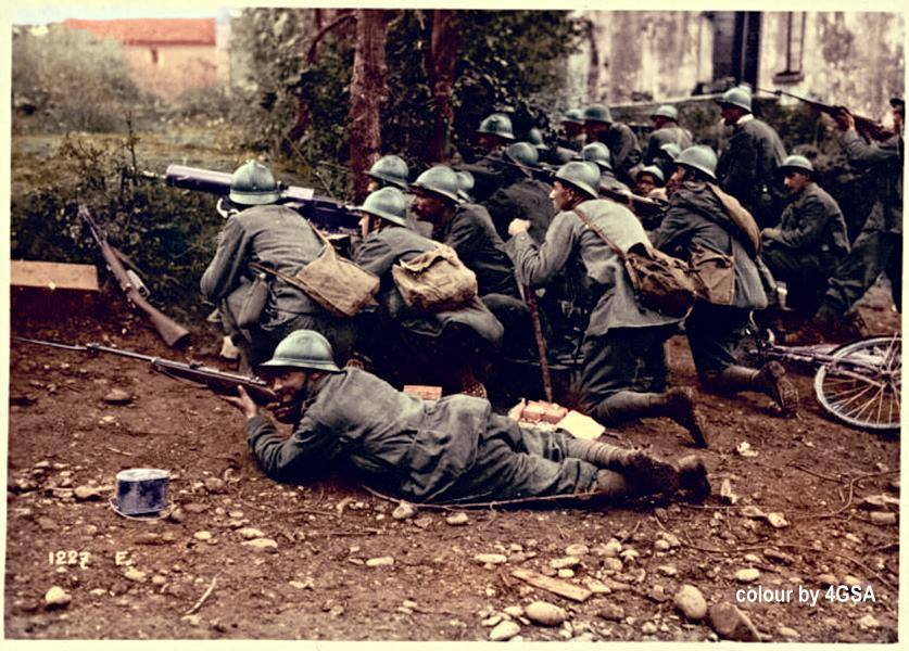 A2 Italian troops holding positions lower Piave.jpg