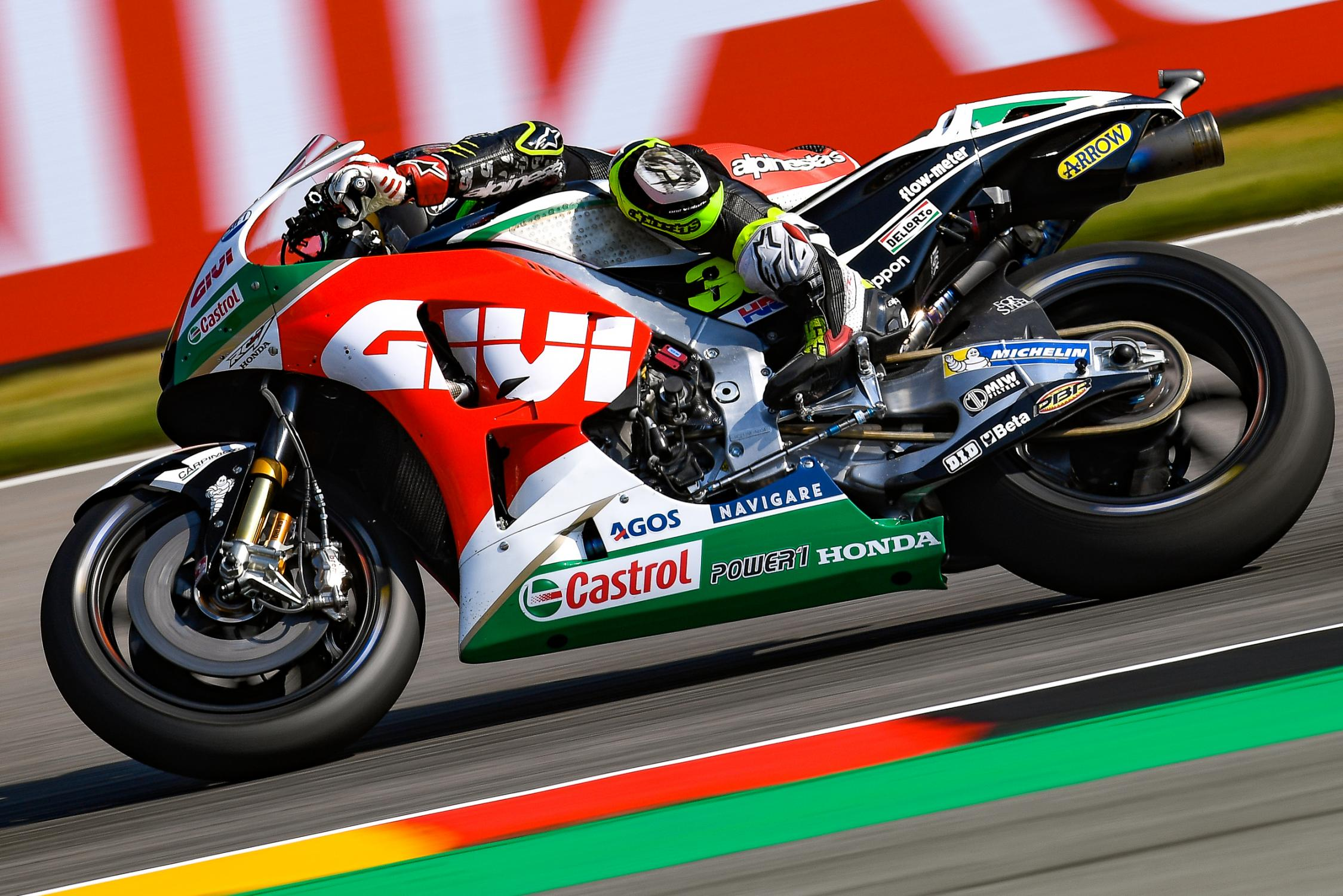 35-cal-crutchlow-eng_ds57162.gallery_full_top_fullscreen.jpg