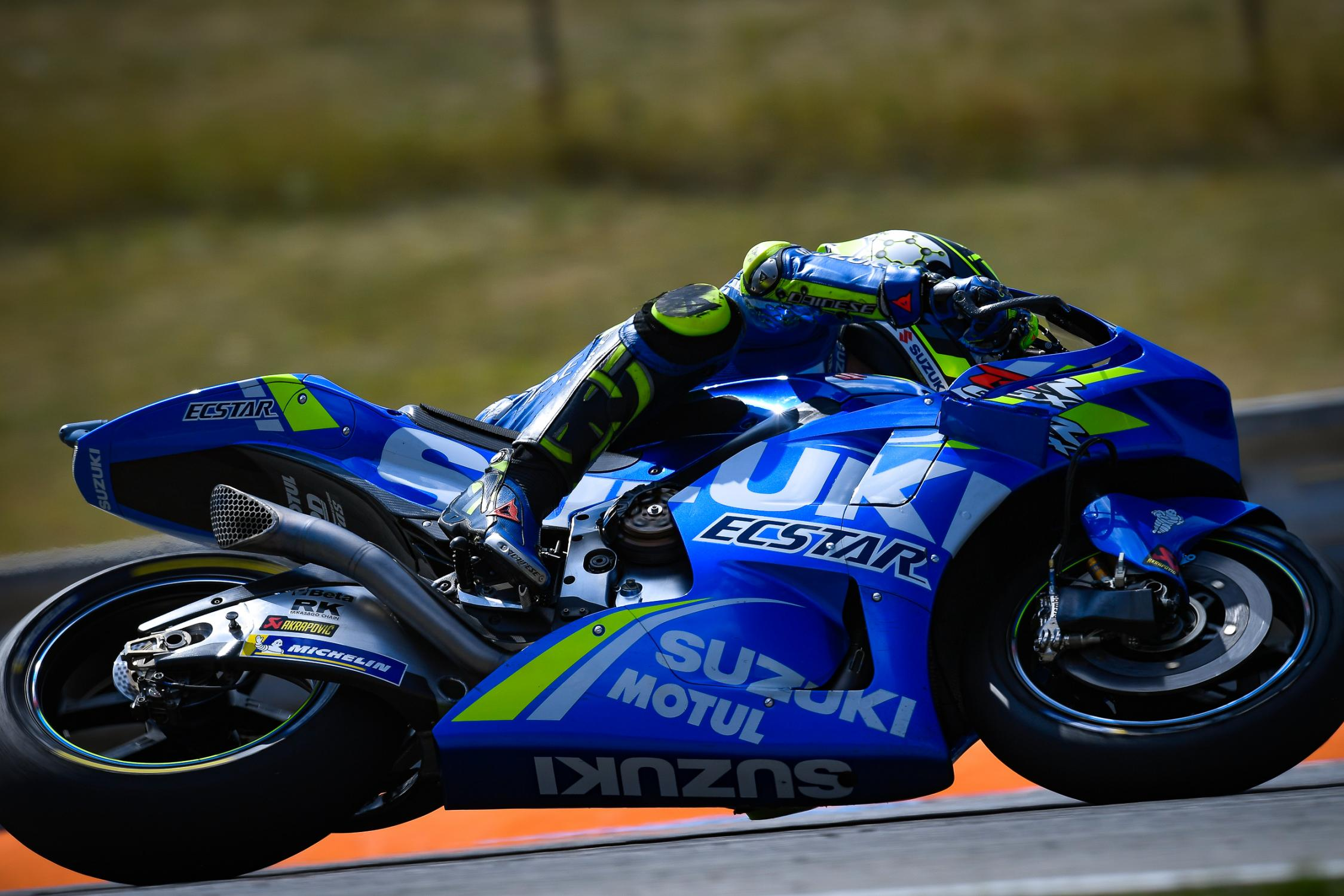 29-andrea-iannone-ita_ds53259.gallery_full_top_fullscreen.jpg