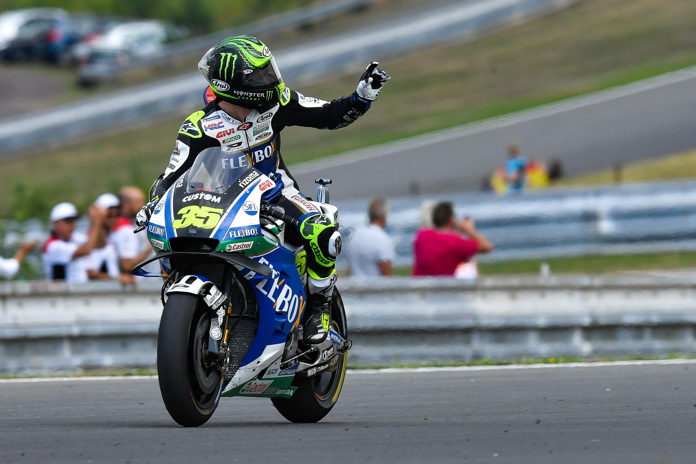35-cal-crutchlow-eng_ds52454.gallery_full_top_fullscreen.jpg