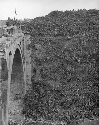 30.9a-Riqueval_Bridge_1918.jpg