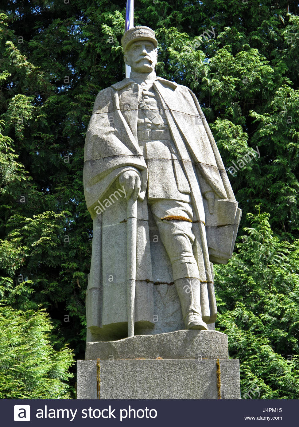 A2 marechal-foch-statue-glade-of-the-armistice-glade-of-rethondes-armistice-J4PM15.jpg