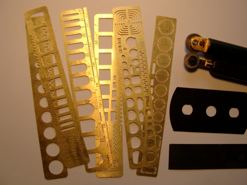 01010338-p51a panel lines+bolts-rivets scratching tools.JPG