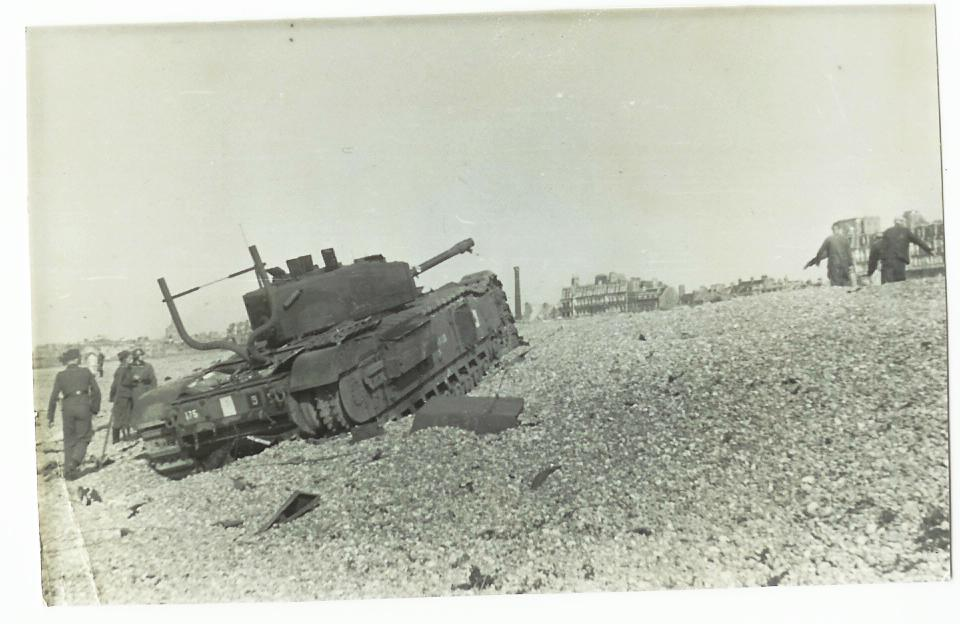 British-Churchill-5a-Dieppe.jpg