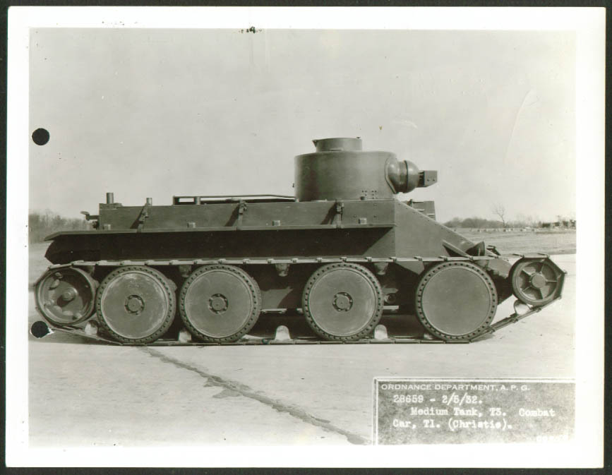 Medium Tank T-3 Combat Car Christie T-1 Aberdeen 1932.jpg