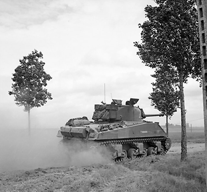 Sherman_tank_of_24th_Lancers.jpg