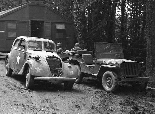 Peugeot 302 and Jeep.jpg