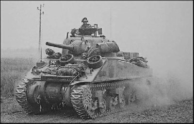 British Sherman Mk V (M4A4) in Normandië.jpg