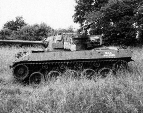 US ARMY M-18 HELLCAT tank destroyer, WWII.jpg