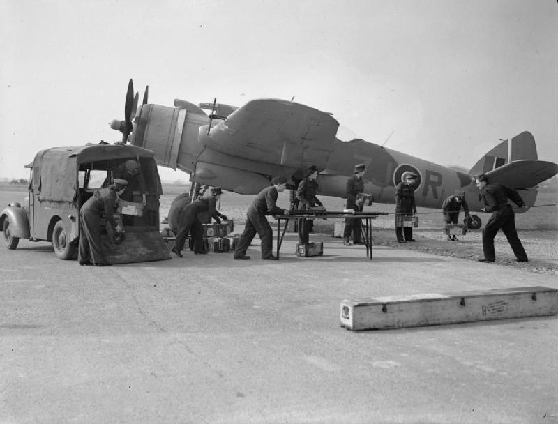 Beaufighter_96sq_ZJ-R_V8748.jpg