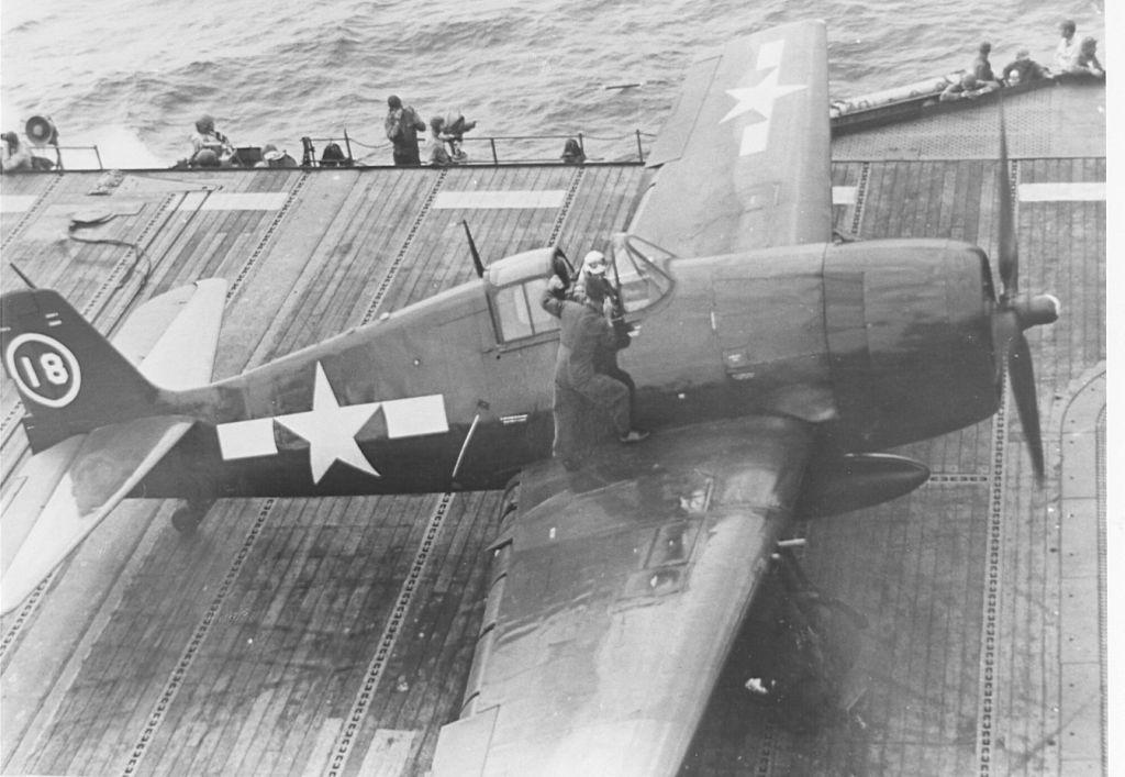 F6F-5N_VFN-41_18_being prepared to launch from the deck of USS Independence.jpg