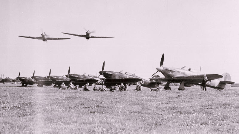 43 Squadron Hurricane IIC Aircrew at RAF Tangmere August 1942.jpg